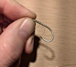 how to tie a snell knot step 3